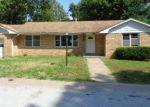 Foreclosed Home in New Franklin 65274 N UNION ST - Property ID: 4294399134