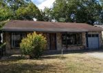 Foreclosed Home in San Antonio 78237 WALLACE ST - Property ID: 4294757853