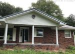 Foreclosed Home in Manchester 40962 N HIGHWAY 421 - Property ID: 4295724897