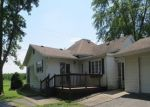 Foreclosed Home in Du Quoin 62832 OLD DUQUOIN RD - Property ID: 4297054129