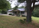 Foreclosed Home in Selmer 38375 CIRCLE HILL DR - Property ID: 4299884325