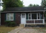 Foreclosed Home in Poplar Bluff 63901 HART ST - Property ID: 4300992398