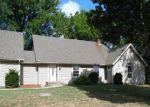 Foreclosed Home in Lexington 64067 GOLF RD - Property ID: 4301048909