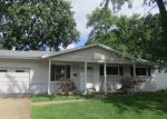 Foreclosed Home in Hazelwood 63042 CANDLE LIGHT LN - Property ID: 4304998551