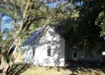 Foreclosed Home in Waverly 64096 BROAD ST - Property ID: 4308283801