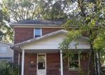 Foreclosed Home in Benton 62812 W WASHINGTON ST - Property ID: 4309170244