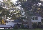 Foreclosed Home in Jamestown 02835 WATSON AVE - Property ID: 4316416531