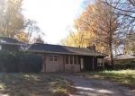 Foreclosed Home in Mount Vernon 62864 E FAIRFIELD RD - Property ID: 4320004859