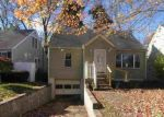 Foreclosed Home in Huntington 25705 FOREST RD - Property ID: 4320009673