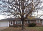 Foreclosed Home in Poplar Bluff 63901 E HENRY ST - Property ID: 4323620322