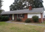 Foreclosed Home in Roanoke 24019 CRUTCHFIELD ST - Property ID: 4324112608
