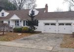 Foreclosed Home in Stratford 06614 BURBANK DR - Property ID: 4325021849