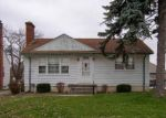 Foreclosed Home in Eastpointe 48021 OAKWOOD AVE - Property ID: 4325224181