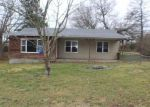 Foreclosed Home in Cassville 65625 STATE HIGHWAY C - Property ID: 4326054589