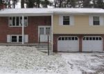 Foreclosed Home in Endicott 13760 KENNETH DR - Property ID: 4328113956