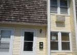 Foreclosed Home in Niantic 06357 BLACK POINT RD - Property ID: 4328642124