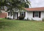 Foreclosed Home in Owensboro 42301 CARTER RD - Property ID: 4330468487