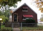 Foreclosed Home in Chicago 60617 S ESCANABA AVE - Property ID: 4333563204