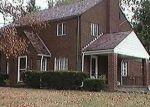 Foreclosed Home in Pittsburgh 15229 VAN BUREN CIR - Property ID: 4334729540