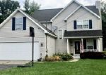 Foreclosed Home in Fenton 48430 EASTVIEW DR - Property ID: 4336914146