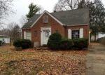 Foreclosed Home in Springfield 62704 S WALNUT ST - Property ID: 4338254798