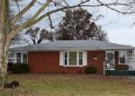 Foreclosed Home in Carlyle 62231 MULLIKEN ST - Property ID: 4338730432