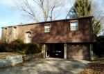 Foreclosed Home in Belleville 62223 BERKSHIRE DR - Property ID: 4339468413