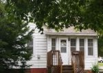 Foreclosed Home in Clinton 52732 22ND PL - Property ID: 4340099541