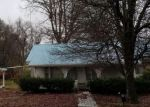 Foreclosed Home in Oneida 37841 LEATHERWOOD RD - Property ID: 4344209488