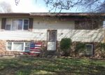 Foreclosed Home in Mount Carmel 62863 HILLCREST DR - Property ID: 4345140171