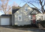 Foreclosed Home in Round Lake 60073 W CEDARWOOD CIR - Property ID: 4345740200