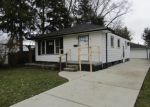 Foreclosed Home in Eastpointe 48021 TUSCANY AVE - Property ID: 4348018998