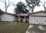 Foreclosed Home in Jacksonville 32208 BARRY DR W - Property ID: 4349331591