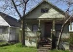 Foreclosed Home in Hamtramck 48212 DEQUINDRE ST - Property ID: 4350004770