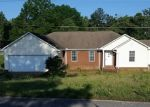 Foreclosed Home in Henderson 38340 PINECREST DR - Property ID: 4358126549