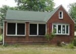 Foreclosed Home in North Tonawanda 14120 TONAWANDA CREEK RD - Property ID: 4361933416
