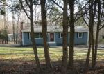 Foreclosed Home in East Hampton 6424 COUNTRY LN - Property ID: 4366788358