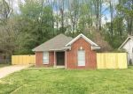 Foreclosed Home in Memphis 38128 BLACK FOREST DR - Property ID: 4370153307