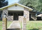 Foreclosed Home in Seguin 78155 RENEE ST - Property ID: 4373753906