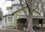 Foreclosed Home in Clinton 52732 N 3RD ST - Property ID: 4377392589