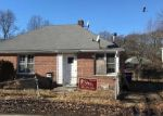 Foreclosed Home in Bridgeport 06610 PEARL HARBOR PL - Property ID: 4378394222