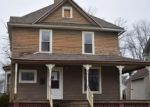 Foreclosed Home in Canton 61520 W CHESTNUT ST - Property ID: 4378570744