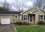 Foreclosed Home in New Iberia 70563 E LAWRENCE ST - Property ID: 4379019218