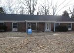 Foreclosed Home in Maryland Heights 63043 GRAND CIRCLE DR - Property ID: 4379077473