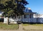 Foreclosed Home in Dundalk 21222 WATERSEDGE RD - Property ID: 4380209639
