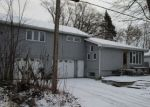 Foreclosed Home in Spring Grove 60081 N 5TH AVE - Property ID: 4383009157