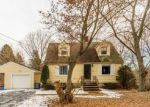 Foreclosed Home in Meriden 06450 GREEN RD - Property ID: 4384635811