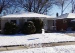 Foreclosed Home in Oak Park 48237 MORTON ST - Property ID: 4385998335
