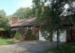 Foreclosed Home in Harper Woods 48225 HUNTINGTON AVE - Property ID: 4386843177