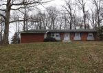Foreclosed Home in Elizabethtown 42701 MEADOWVIEW DR - Property ID: 4388708972